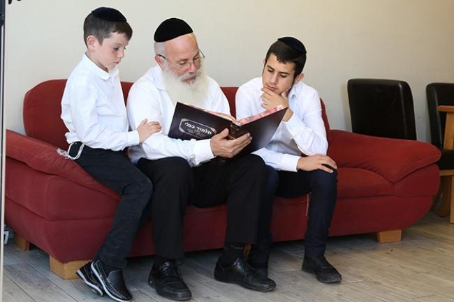 אחת מתמונות האילוסטרציה - הפנים החדשות של ישראל: גם חרדים בפנים
