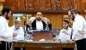 מאיר אפפלדורפר והמקהלה: 'בצאת ישראל'