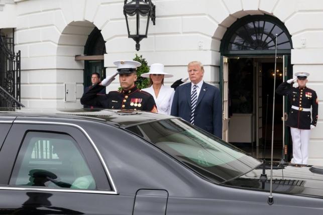 הנהג לשעבר של טראמפ הגיש נגדו תביעה