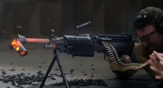 הניסוי - צפו: מה קורה כשיורים 700 כדורי רובה ברצף