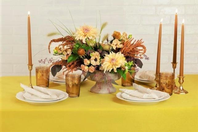 צפו: 2 דרכים יפות לעצב את השולחן בשני ימי החג