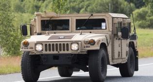ג'יפ צבאי מדגם האמר