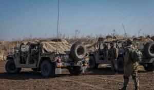 """חייל צה""""ל בגבול סוריה - """"מודאגים""""; הקבינט דן על החזית הצפונית"""