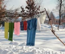 לייבש כביסה. אילוסטרציה - החורף הגיע: עדיין מחכים שהכביסה תתייבש?