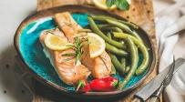 סלמון עסיסי בתנור בניחוח לימון - תשעת הימים: סלמון עסיסי בתנור בניחוח לימון