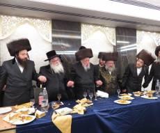 שמחת 'שבע ברכות' בחצרות נדבורנה באניא - קאפיטשניץ