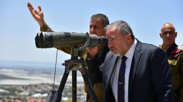"""ליברמן: מתנגד להטחת עלבונות בקציני צה""""ל"""