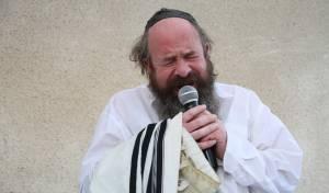 """רבי יעקב עדס - המקובל הגר""""י עדס התמוטט בכותל ואושפז"""