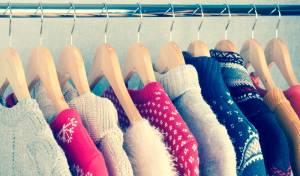 כך תתלו סוודרים כך שלא יתפסו הרבה מקום בארון