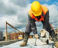 חברת בנייה. אילוסטרציה - חברת בנייה ביטלה הסכם – תשלם, אבל פחות