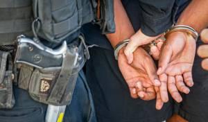 המשטרה עצרה שני חשודים בתקיפת קטין