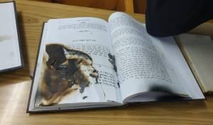 נעצרה חשודה בריסוס גרפיטי בבית הכנסת