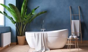 מהו הצבע המפתיע שיככב באמבטיה באביב הקרוב?