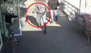 דקר גבר בסכין ונעצר לאחר מצוד • תיעוד