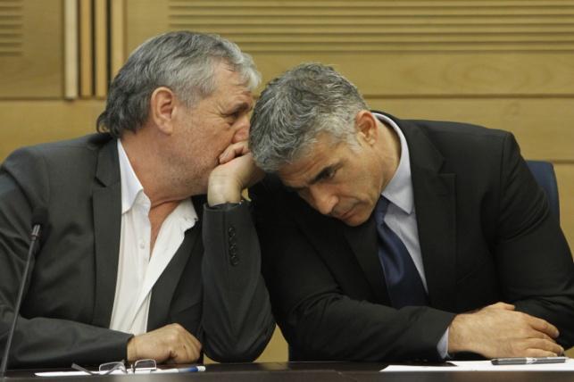 """ח""""כ כהן עם חברו ויו""""ר מפלגתו יאיר לפיד"""