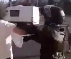 שוטר הכה צעיר חרדי לעיני ילדיו ואשתו וריסס עליו גז פלפל