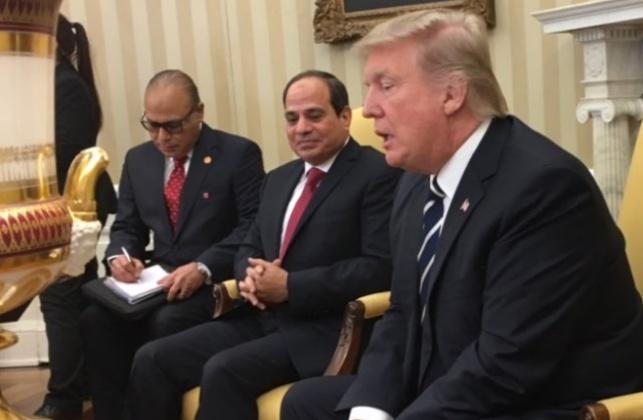 טראמפ במפגשו עם נשיא מצרים א-סיסי