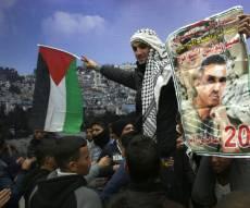 מחבלים משוחררים מתקבלים בחגיגות ברמאללה - אלו משכורות העתק של המחבלים בכלא הישראלי