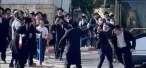 הקיצונים מתפרעים מול שוטרים