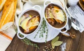 מרק בצל ופטריות מוקרם