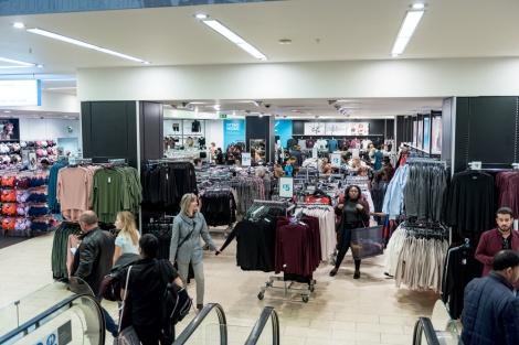 חנות של רשת פרימרק - חשבה שהיא גרמניה וקיללה אותה בעברית