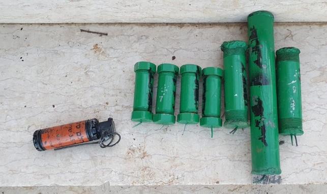שבעה מטעני צינור נתפסו בבית בעיר חברון
