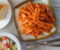 פסטה ברוטב שמנת עגבניות עם וודקה