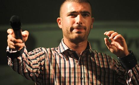 עומר אדם. ארכיון - ויתר על הון עתק למען השבת והפך לאמן המצליח בישראל