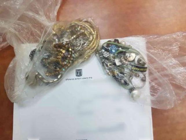 התכשיטים שנגנבו