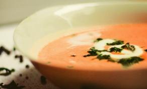 מרק עגבניות מוקרם