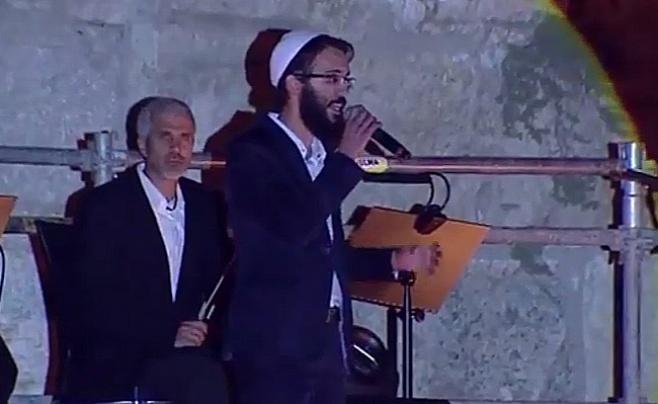 """צפו: בן סנוף מבצע את """"לך ירושלים"""""""