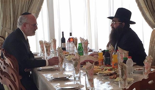 הרב פינטו ואלשטיין, בסוף השבוע
