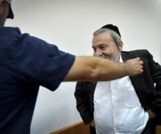 שמעון שר. ארכיון - שמעון שר מסתבך: המשטרה גייסה עד נגדו