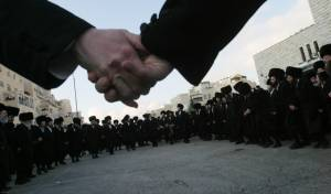 'המודיע': ההפגנות - על רקע רדיפת הדת