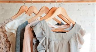 למה יש להסיר מיד את הניילון מהבגדים שחזרו מניקוי יבש