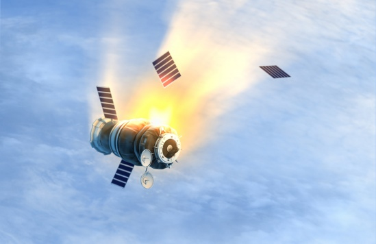 לא תאמינו מה קורה כשלוויין מתפוצץ בחלל