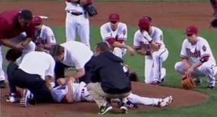 אאוצ': חטף כדור בייסבול ישר בפניו
