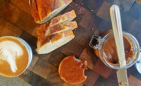 """לממרח """"נוטלה"""" של שוקולד חלב ואגוזי לוז - ממרח שוקולד """"נוטלה"""" שהכנתם לגמרי בעצמכם"""