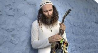 עודד ישראל מנשרי בסינגל חדש: קול חוזר