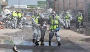 פגיעת רקטה במפעל חומרים מסוכנים; צפו