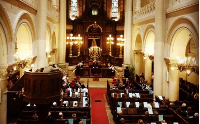 מישל נואם בבית הכנסת הגדול בבריסל