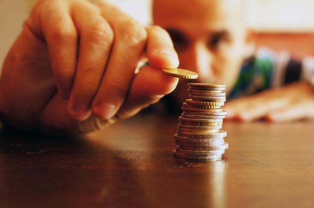 סקר: העניים נהיים יותר עניים  - בכל חודש
