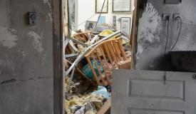 רקטה מעזה פגעה בבית במושב בשרון; 7 בני אדם נפצעו