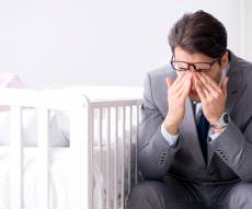 דיכאון אחרי לידה: לא רק אצל אמהות