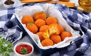 ארנצ'יני. כדורים פריכים במילוי גבינה - ארנצ'יני: כדורים פריכים במילוי גבינה עם טוויסט
