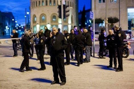 """זירת הפיגוע - כתב אישום נגד המחבל מכיכר צה""""ל"""