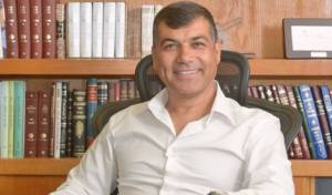 ראש העיר. החיוך מוצדק - הרבנים מרוצים: בכר ישאר ראש העיר בת ים