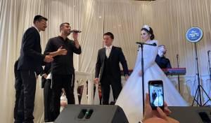 שטיינמץ, ריבו ואברהם פריד בחתונה • צפו