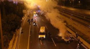 באישון לילה: הרוג בפיצוץ רכב בנתיבי איילון