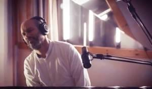 """יונתן רזאל בסינגל קליפ ייחודי חדש: """"צייר"""""""